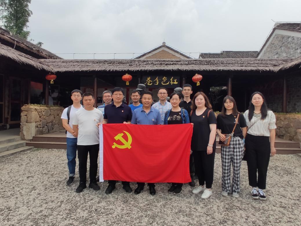 省卫生计生委人才服务中心党支部组织党员赴南京市党史教育基地参观学习